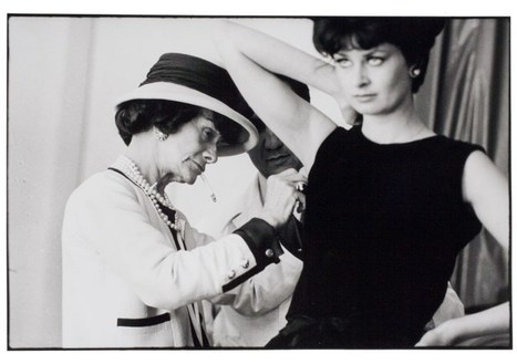 Coco Chanel: Behind the sunglasses (by Douglas Kirkland, 1962) | Photography Now | Scoop.it