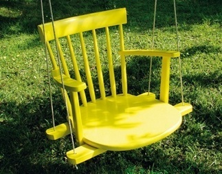 Upcycle an old rocking chair into a garden swing | Grown Green Gardens | Scoop.it