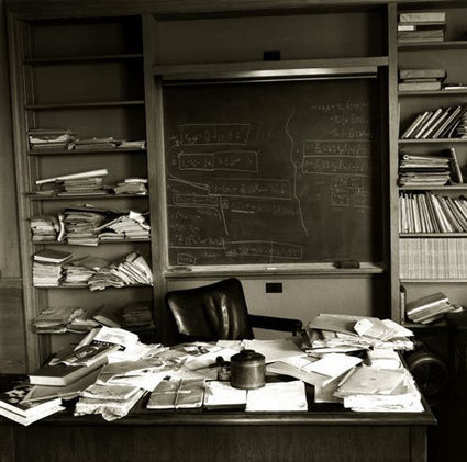 10 Messy Desks of Successful People - Office Pains | Educational Psychology | Scoop.it