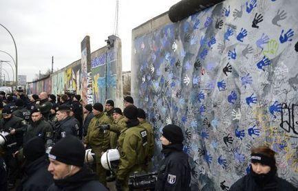Berlin se bat pour son Mur porteur de mémoire - CharenteLibre   Mémoire vive - Coté scoop.it   Scoop.it