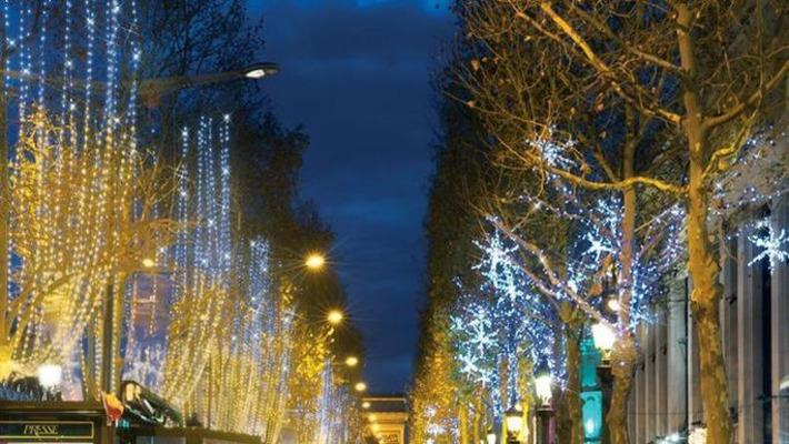 Paris s'illumine à l'approche des fêtes   Evénement, événementiel, salon, congrès, foire...   Scoop.it