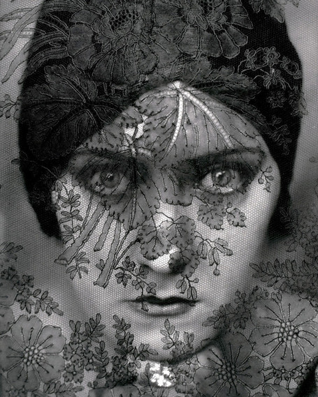 Gloria Swanson (by Edward Steichen, 1924) | Photography Now | Scoop.it