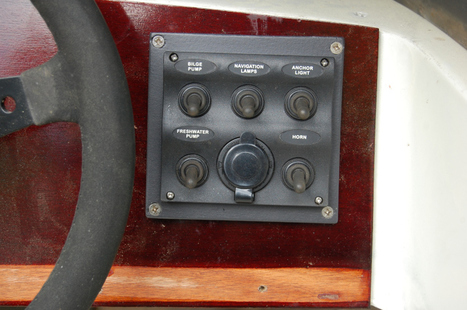 "Restauro Vega ""Sonny"" 318 RO: impianto elettrico | Nautica-epoca | Scoop.it"
