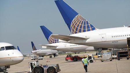Researcher denied United flight after hack tweet | SocialMediaTwitter | Scoop.it