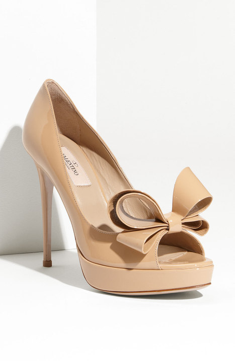 VALENTINO Couture Bow Platform Pump | Nudevotion.com | Nude Shoes | Scoop.it