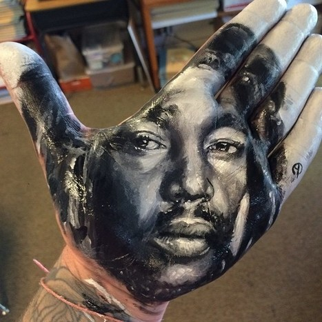 Artist Paints Realistic Portraits Of Famous People On His Hands And Stamps Them On Paper | Travel Bites &... News | Scoop.it