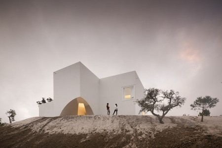 House in Fontinha / Manuel Aires Mateus + SIA arquitectura - ArchDaily | arquitectura H | Scoop.it