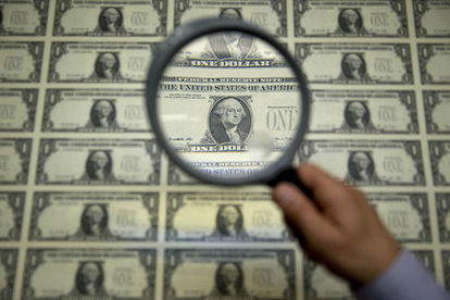The Real Story Behind the U.S. Dollar's Decline | Business Video Directory | Scoop.it