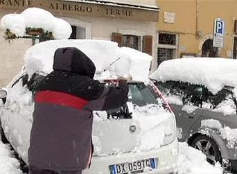 Blanket of snow covers Italy   Acquasanta under the snow: watch the video   La Gazzetta Di Lella - News From Italy - Italiaans Nieuws   Scoop.it