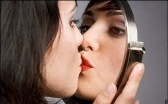 Selfie Culture: Are We Are All Boring Narcissists Now? - Sabotage Times   Media Education e Identità   Scoop.it