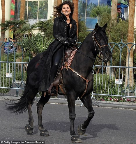 Shania Twain makes an entrance as she stampedes into Vegas on horseback | Share Some Love Today | Scoop.it