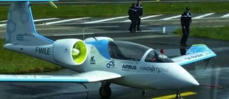 L'E-Fan, l'avion électrique préféré des riverains - Le Point | Smart grids | Scoop.it