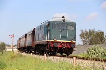 In viaggio verso la città vecchia di Gallipoli con il Treno storico Salento Express. | I Territori parlanti | Scoop.it