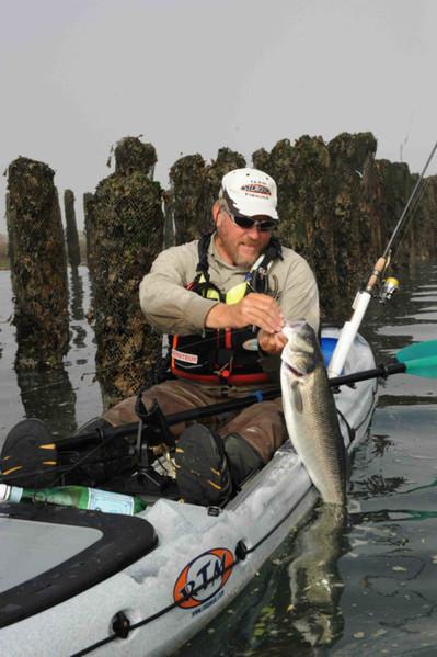 Et si vous testiez la pêche en kayak ? « Le Pays Malouin | French DB home | Scoop.it