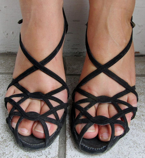 Vintage 1950s PEEP TOE Strappy Black Heels Shoes 7 to 8 | A-TownGirl. | Scoop.it