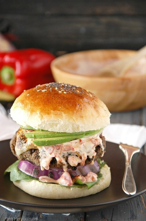 Black Bean Burgers with Roasted Red Pepper Aioli | Burgers | Scoop.it