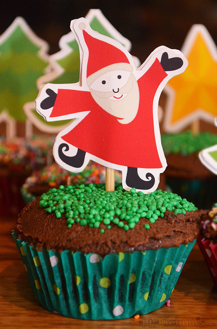 2012 Christmas Printables - Christmas Cupcake Toppers - Picklebums | CupCake Blog | Scoop.it