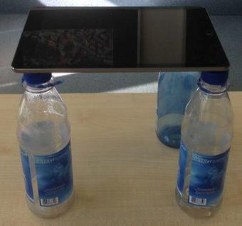 Legetrick – Video: Stativ aus Wasserflaschen | iPad in der Schule | Unterrichtsideen ICT | Scoop.it