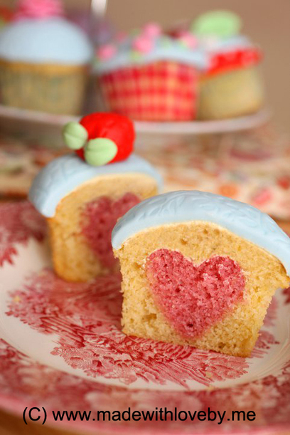 HOW TO: Bake a heart into your cupcake… | Made With Love by Me | Cupcake Magic | Scoop.it