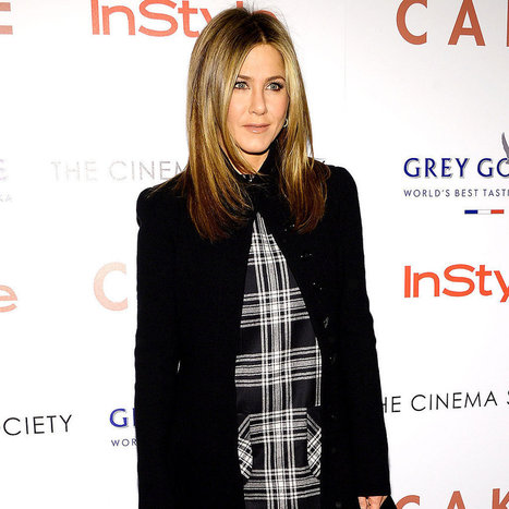 Jennifer Aniston Just Stepped Out in Your Perfect Holiday Outfit | Fashions And Deals | Scoop.it
