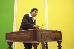 Cimbalist Giani Lincan promoot klassieke muziek op zigeunerinstrument - Reformatorisch Dagblad | Klassieke muziek van Oude muziek tot Modern | Scoop.it