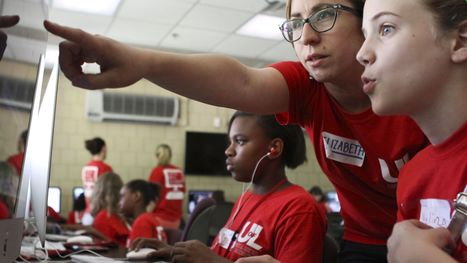 U of L academy teaches girls to make eye-opening videos - The Courier-Journal | Digital School | Scoop.it
