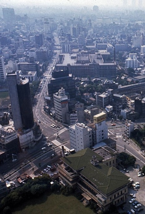How has Tokyo's cityscape changed since the 50s? Six decades of color photos taken from the Tokyo Tower | URBANmedias | Scoop.it
