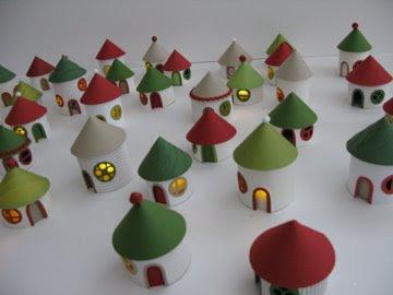 DIY christmas village from toilet paper rolls - Recyclart | #thingsilove @dealiciousitalian.com | Scoop.it