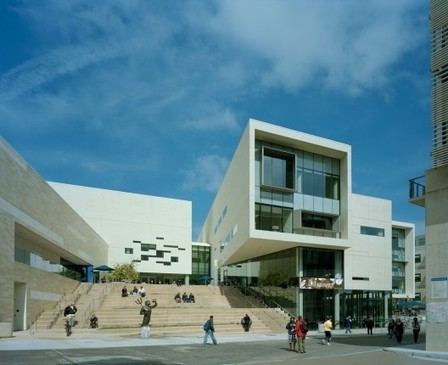 Community-Oriented Architecture in Schools: How 'Extroverted' Design Can Impact Learning and Change the World | architecture, planning, education, trending | Scoop.it