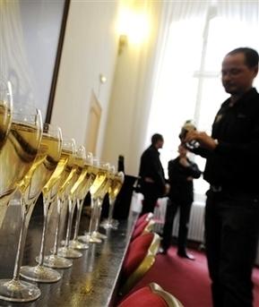 Economie La filière mise notamment sur les marchés émergents en ... - Le Progrès | wine & champagne marketing | Scoop.it