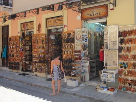 A Athènes,  le blues des marchands de souvenirs   Union Européenne, une construction dans la tourmente   Scoop.it