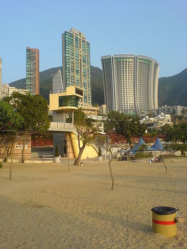 11 of the World's Most Popular Urban Beaches | travelinfo | Scoop.it
