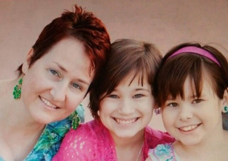 Arizona Mom Loses Battle to Regain Daughters Medically Kidnapped - Pleads for Someone to Adopt Them | Family-Centred Care Practice | Scoop.it