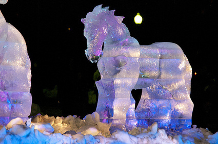 16 horses made of ice.  Just what you need when it is cold outside.... | Horse and Rider Awareness | Scoop.it