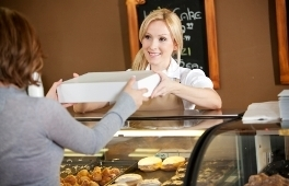 6 Ways Small Retailers Can Use Social Media « Radian6 - Social media monitoring tools, social media engagement software and social CRM and marketing from the industry leader in social analytics. | Tracking Transmedia | Scoop.it