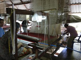 Surin, Village de la soie et tissage au fil d'or | Toile au metre | Scoop.it