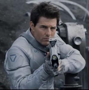 Tom cruise oblivion Jack Harper oblivion white jacket | Oblivion Jacket Tom Cruise Jacket | Scoop.it