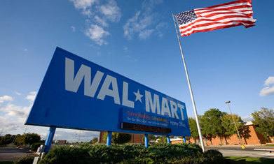 Walmart workers protest over minimum wage in 15 US cities | We Need an Increase in the Minimum Wage | Scoop.it