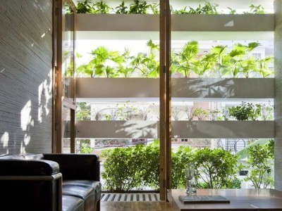 Wall of Planters Shades And Ventilates House; A New Kind of Living Wall | Vertical Farm - Food Factory | Scoop.it