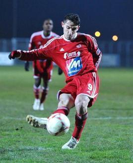 #Football - #Châtellerault et #Poitiers solides à l'extérieur | Chatellerault, secouez-moi, secouez-moi! | Scoop.it