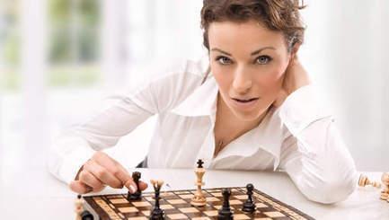 Deux boutons, pas plus: le décolleté des joueuses d'échecs | 694028 | Scoop.it