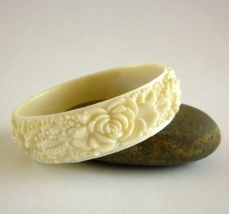 Vintage Carved Celluloid Art Deco Bracelet - The Vintage Village | Vintage Passion | Scoop.it