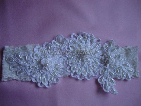 Lace garter, Ivory stretchy lace garter, Ivory bridal garter | Wedding Garters | Scoop.it