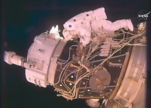 Spacewalk installs docking adapter to ready ISS for commercial crew | NASASpaceFlight.com | The NewSpace Daily | Scoop.it