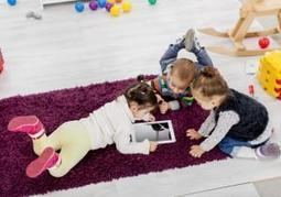 58% of U.S. parents admit to using gadgets to babysit their kids: study | It's Show Prep for Radio | Scoop.it