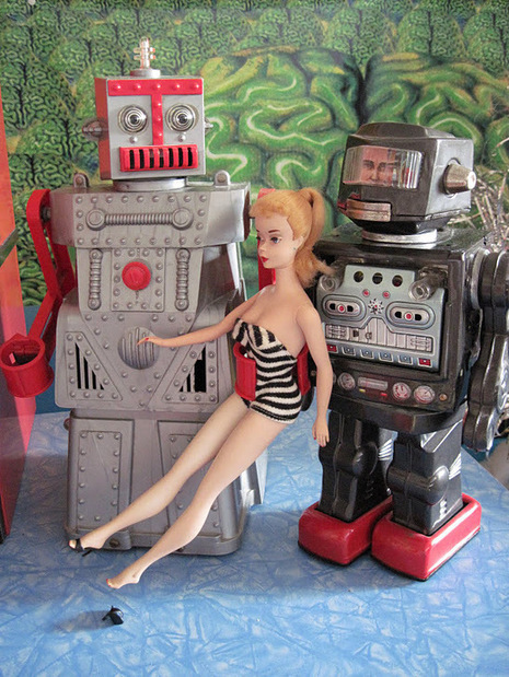 Tracy's Toys (and Some Other Stuff): Vintage Space Man Robot | Vintage, Robots, Photos, Pub, Années 50 | Scoop.it