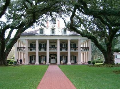 Ghost Pictures: Is Oak Alley Haunted? | Oak Alley Plantation: Things to see! | Scoop.it
