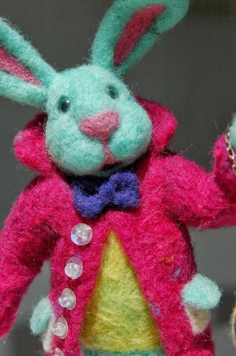 Green Dot Creations: Mr Alice in Wonderland Rabbit! | Needle felting art by Green Dot Creations' Studio! | Scoop.it