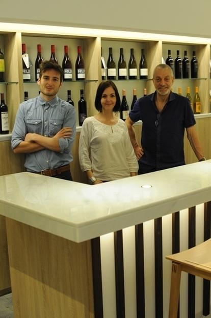 « Soif d'ailleurs » : lieu de rencontre du vin et du business - Terre de Vins   Le meilleur des blogs sur le vin - Un community manager visite le monde du vin. www.jacques-tang.fr   Scoop.it
