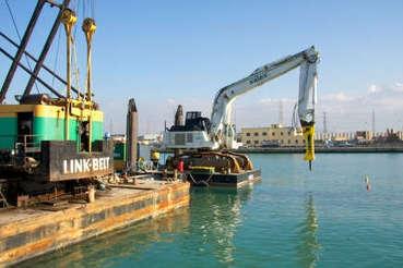Un marteau Atlas Copco HB7000 travaille sous l'eau en Italie - FRANCE BTP | Marketing Business To Business | Scoop.it